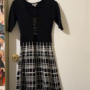 Black and White Lace up Casual Dress